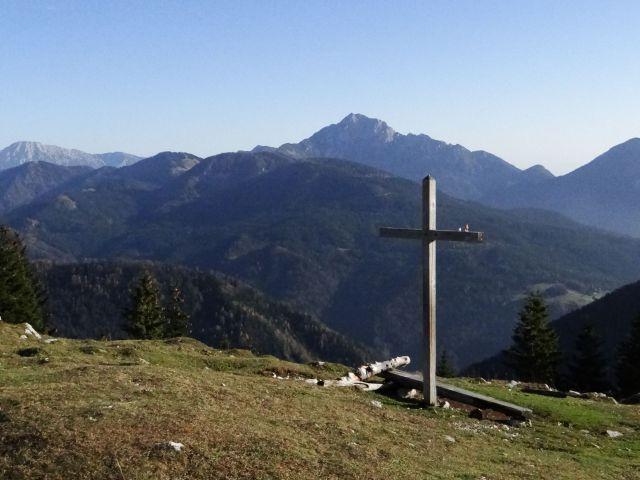 Križ nad kočo