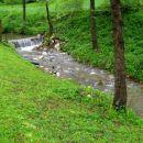 potok žičnica teče mimo gastuža