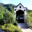 izhodišče pri zanimivem mostu čez Kanomljico