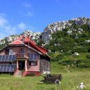 planinski dom risnjak (schlosserov dom) pod vrhom risnjaka