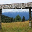 pogled na spodnje bohinjske gore s planine zajamniki