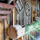 razstava starega orodja, športnih rekvizitov ... na kmetiji v koprivniku...