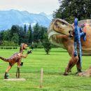 krvoločni mali dinozavri napadajo velikega