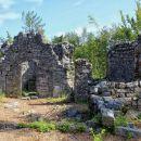 ruševine cerkve sv. kancijana...