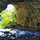 pod velikim naravnim mostom s teže dostopne strani pod sv. kancijanom