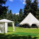 prostor za obred civilne poroke in šotor za svate