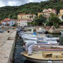 pristanišče mesteca Valun