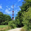 telekomunikacijski stolp na slovenski strani trdinovega vrha