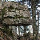 kamnit nadstrešek