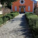 cerkev pri pokopališču
