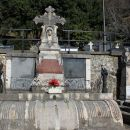 večja grobnica