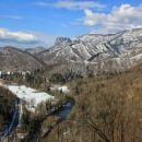 razgled od sv. ane na dolino kolpe, loško steno, borovško goro...