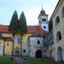 cerkev na notranjem dvorišču