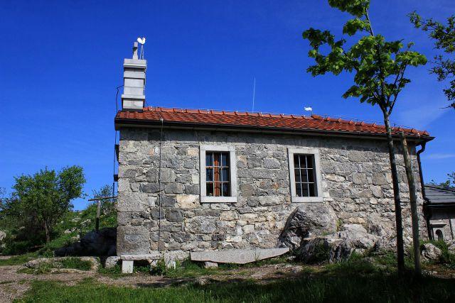 Cerkev sv. urbana pod vrhom vremščice...