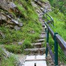 zložno po stopnicah gor...