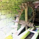 mlin, nedaleč od izvira, ki ne deluje več