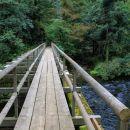most čez unico pred vhodom v planinsko jamo