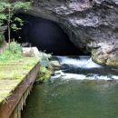 vstop v planinsko jamo je dovoljen le z vodičem