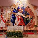 notranjost sodobne cerkev sv. mihaela v grosuplju
