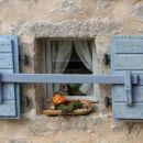 detajl obnovljene istrske hiše...