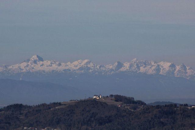 Julijci z limbarsko goro v ospredju