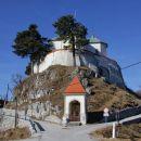 marijina cerkev z obzidjem, ki je služilo kot tabor v časih turške nevarnosti