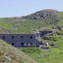 nekdanja italijanska vojašnica je zdaj zevtje za ovce