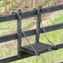 stol ali hlapec na kozolcu služi v pomoč pri pomikanju po latah navzgor