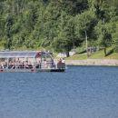 turistična ladjica na jezeru