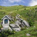 kapelica na planini zaslap...