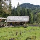 koča pri Ingotu na planini jasenje (Rajske livade)