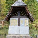 spominsko obeležje ponesrečenim planincem na jesenju