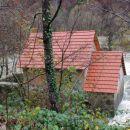 poplavljen mlin v vasi vrt