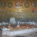 notranjost mavzoleja z razstavljenimi predmeti iz življenja vojakov med 1. sv. vojno