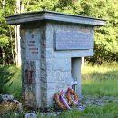 partiznski spomenik na pugledu (kočevski rog)
