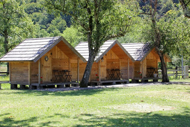 Hišice v kanu kampu v radencih