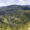širni razgledi na kolpsko dolino in kostel