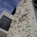 plezalna stena na hotelu